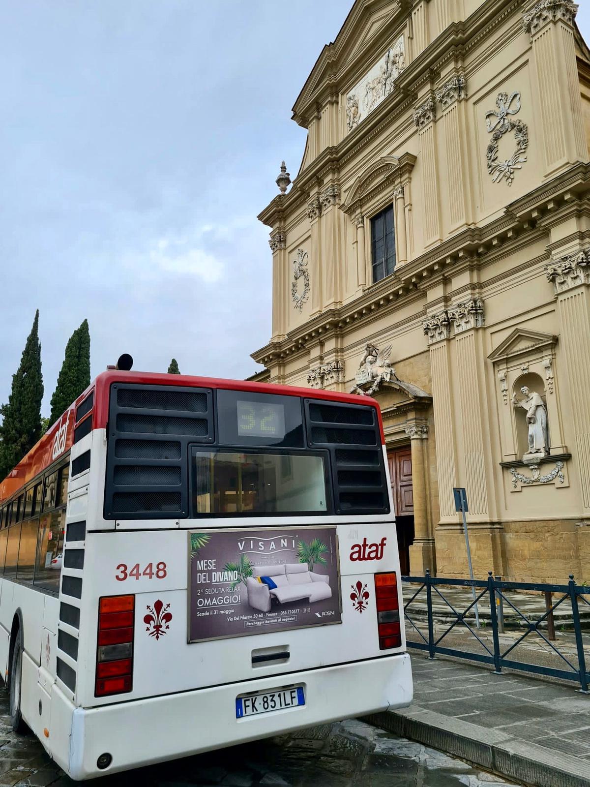 autobus aprile divani