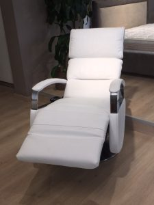 poltrona tokyo alzapersona relax e design